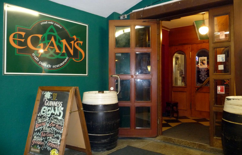 Eingang zum EGAN's